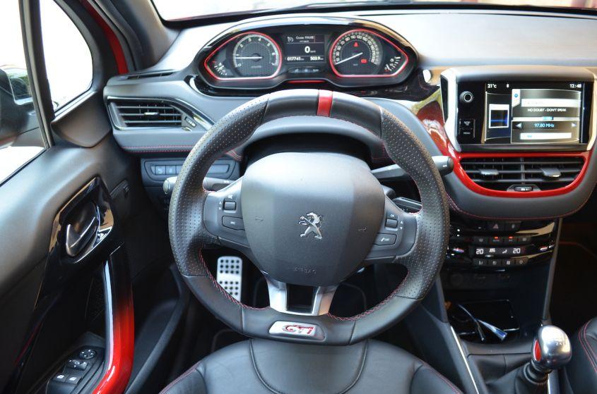 Come trovare la corretta posizione di guida auto