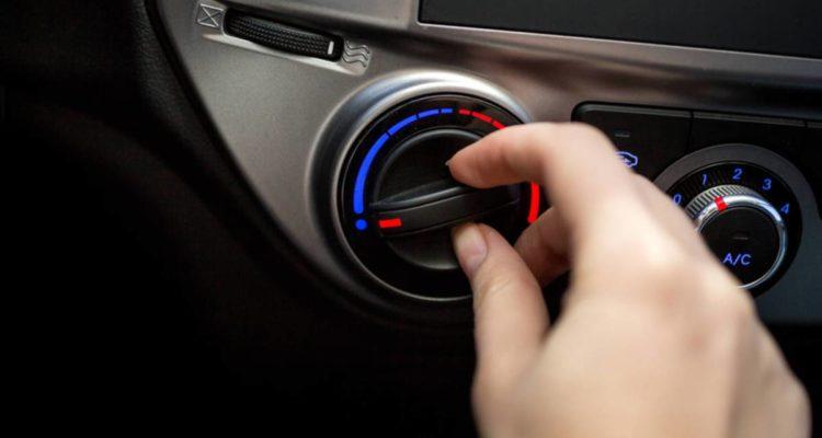 Come utilizzare il climatizzatore dell'auto in estate e inverno